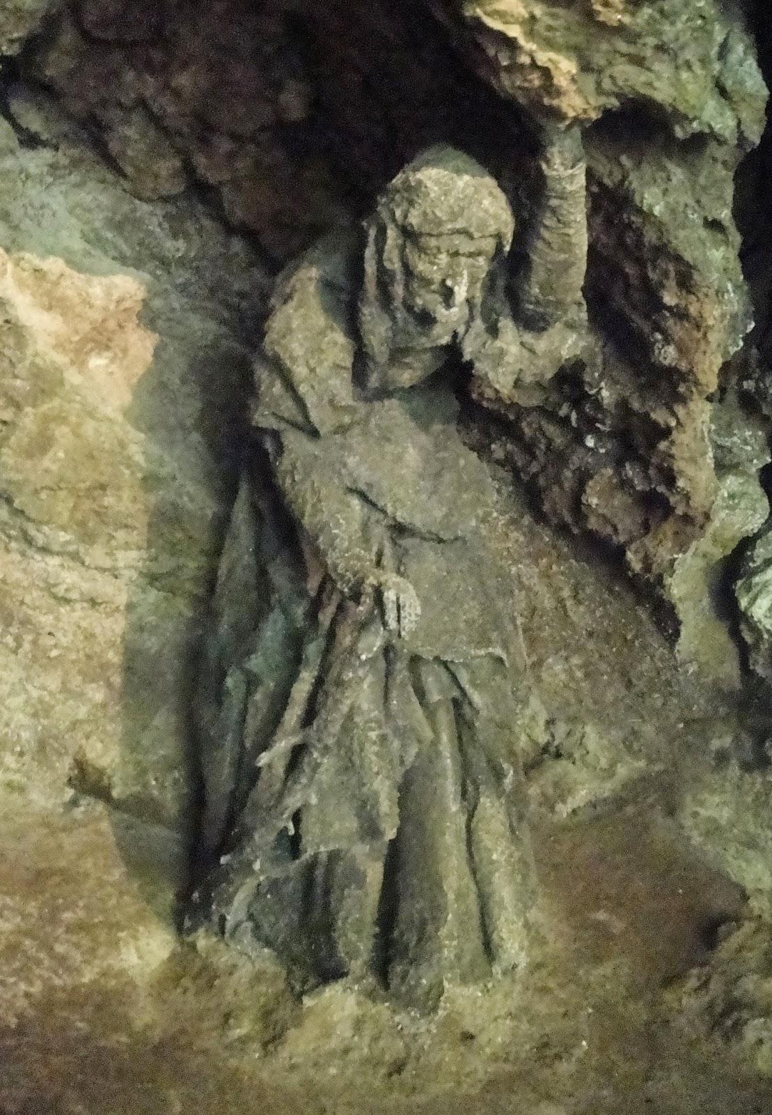 madre shipton estatua