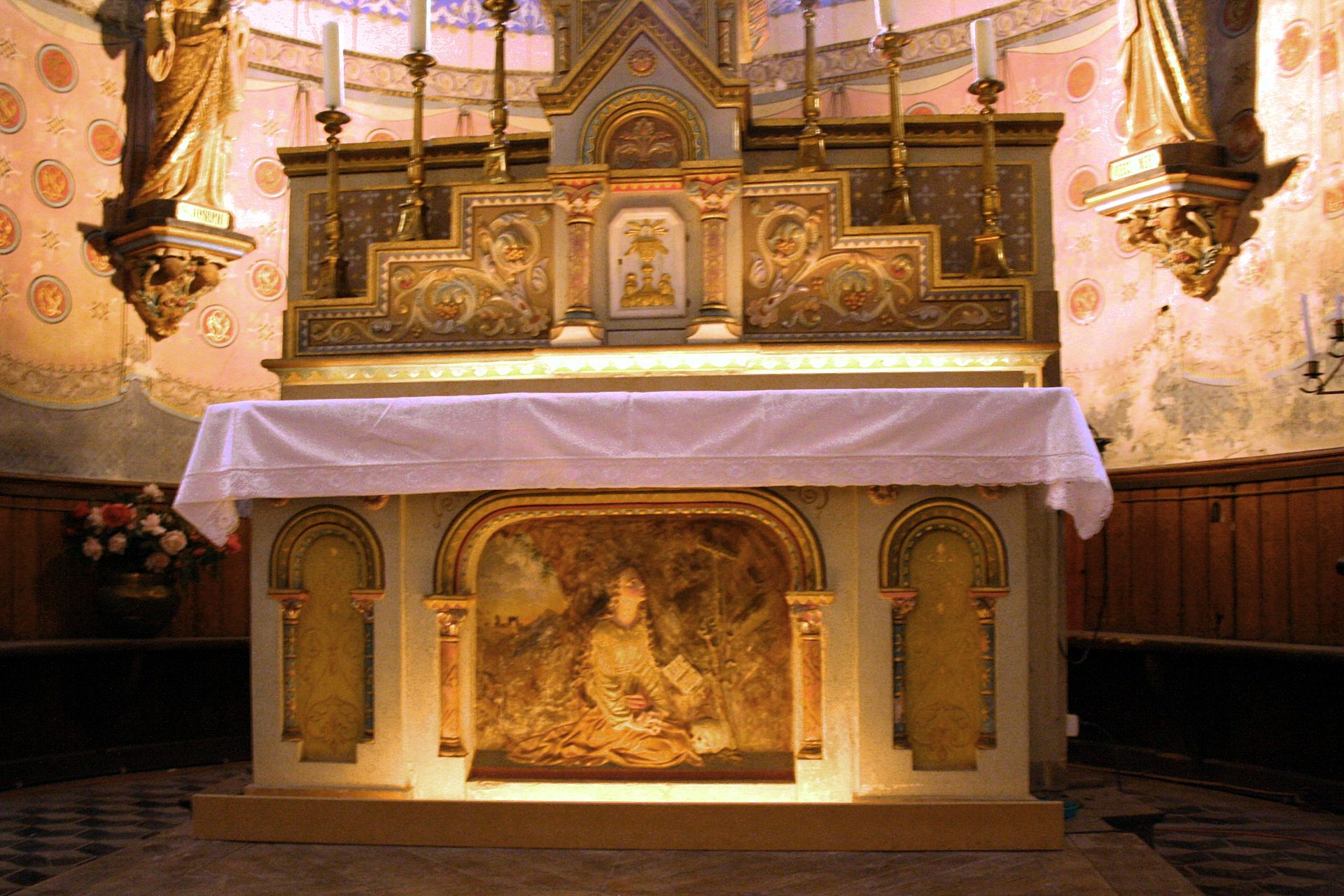 rennes chateau maria magdalena altar