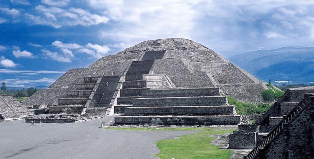 piramide luna teotihuacan