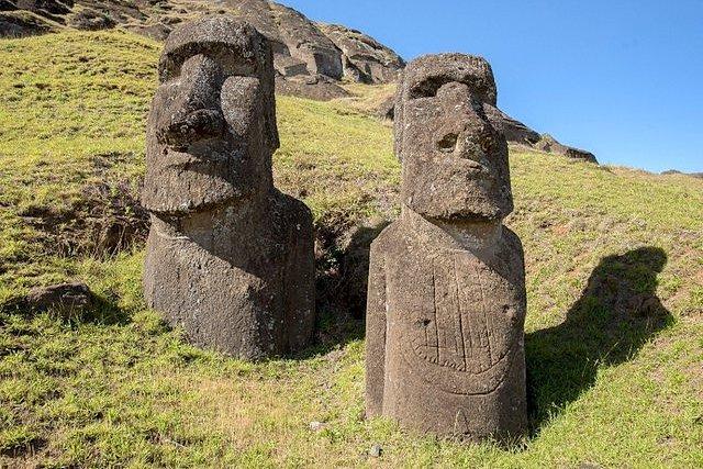 Moai Ko Kona He Roa barco