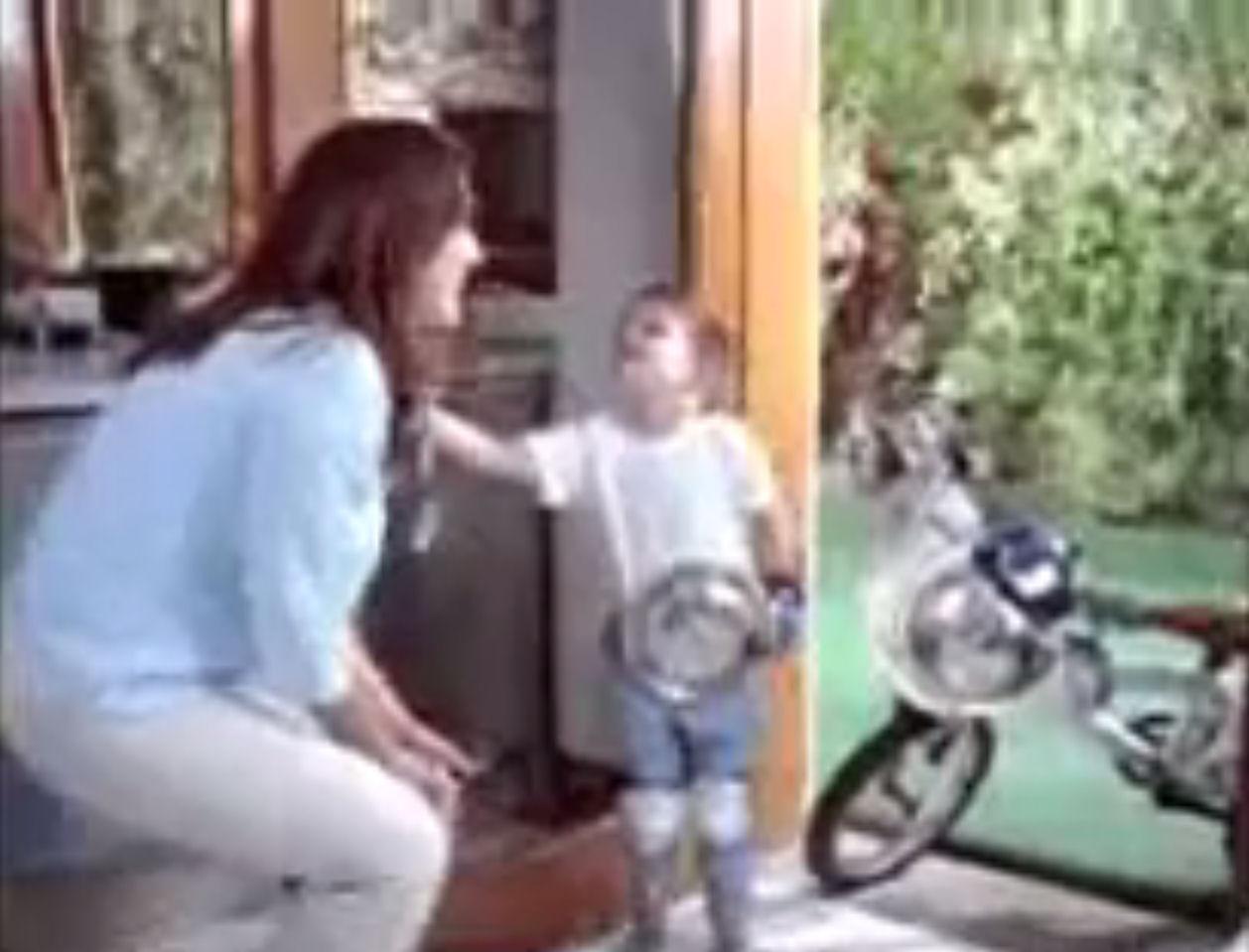 madre anuncio hijos