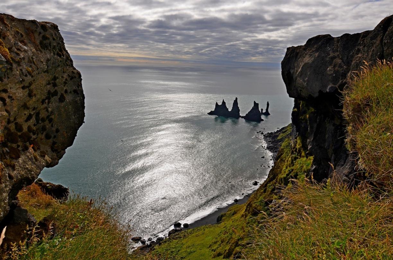reynisdrangur islotes islandia