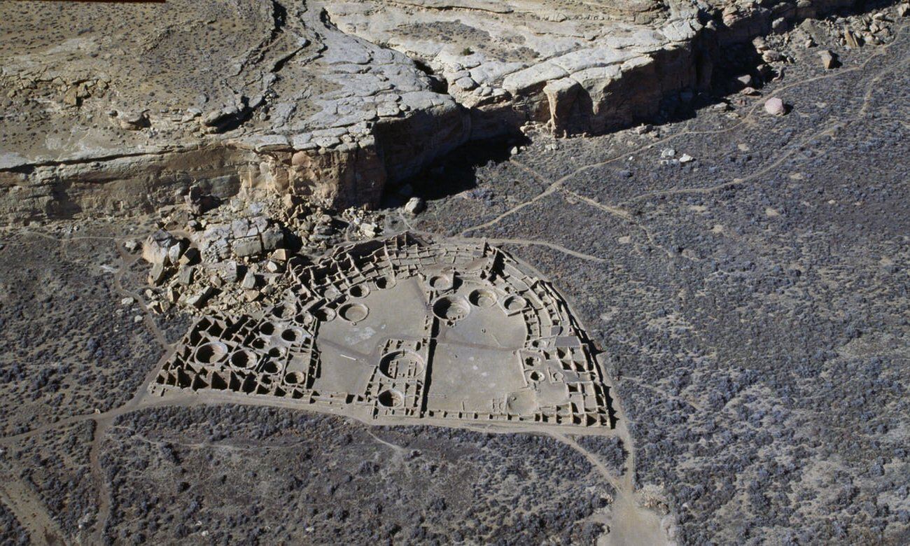 canon chaco Pueblo Bonito