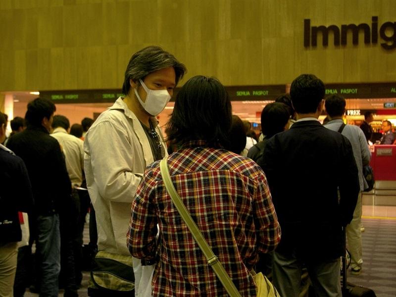 coronavirus covid 19 infeccion aeropuerto