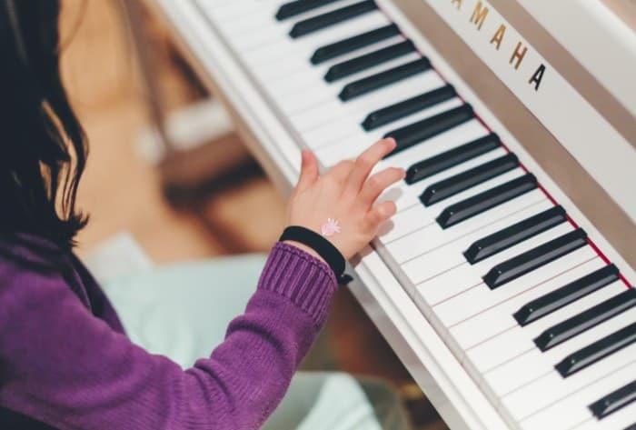niños aprender musica